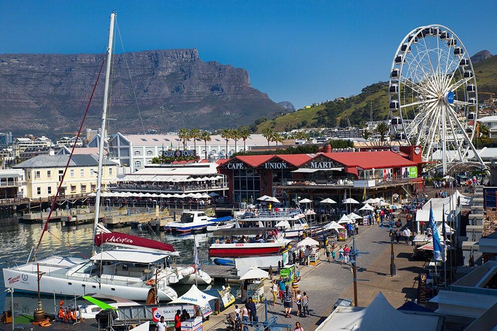 El Waterfront, un antiguo puerto convertido en zona de ocio