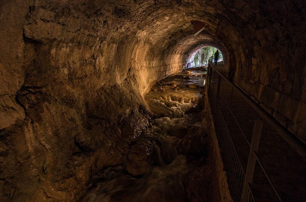 Interior de la bóveda del Cerezuelo
