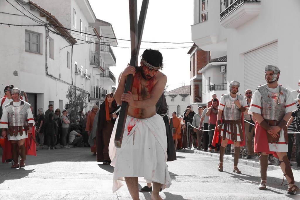 Representación de la Semana Santa en Cuevas del Campo