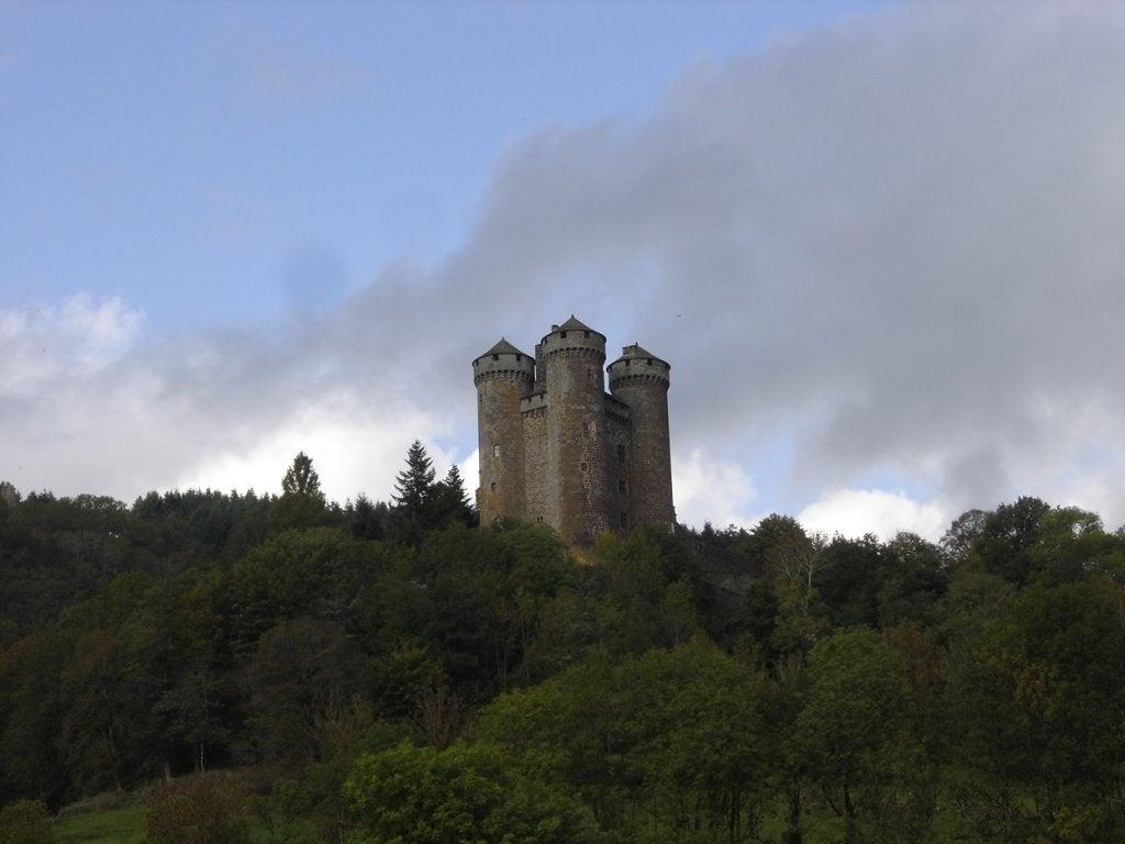 Castillo de Anjony: reflejo majestuoso de siglos pasados