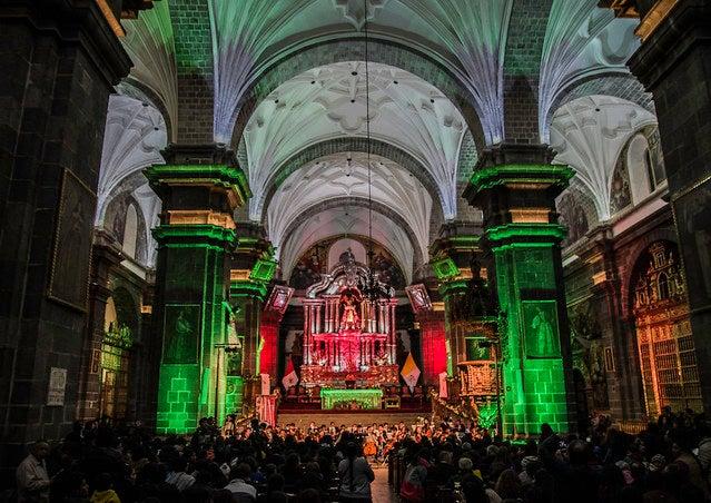 Concierto en la catedral de Cuzco