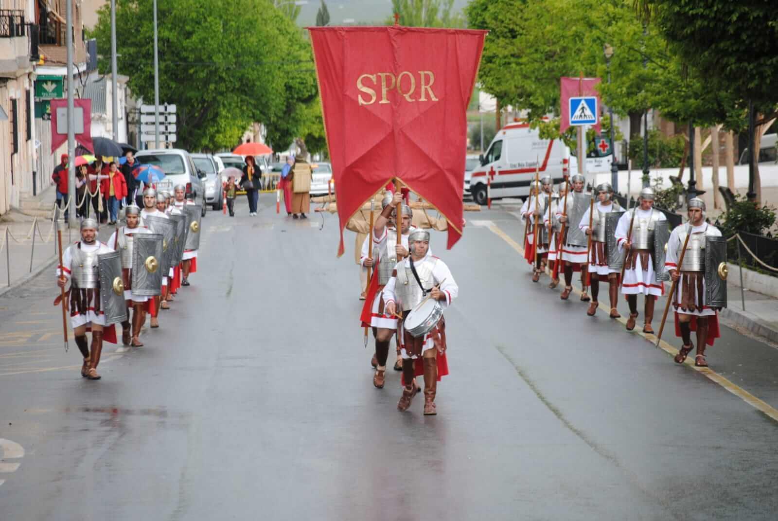 Entrada de tropas romanas en la Semana Santa de Cuevas del Campo