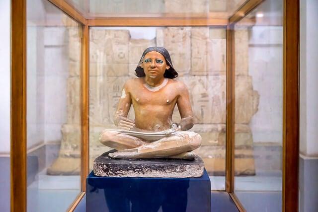Estatua del Escriba sentado en el Museo Egipcio
