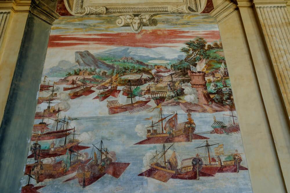 Frescos en el palacio de Santa Cruz