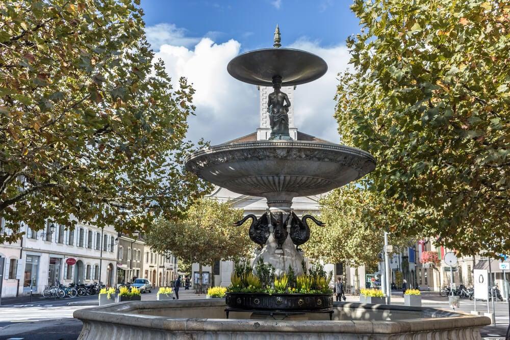 Fuente en la Place du Marché