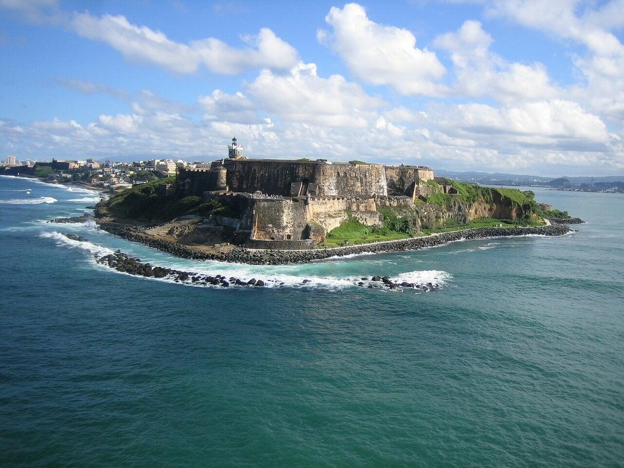Vista del fuerte de San Felipe en San Juan
