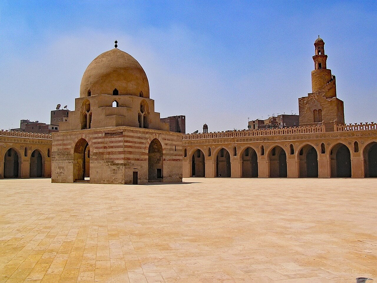 Mezquita Ibn Tulum en El Cairo