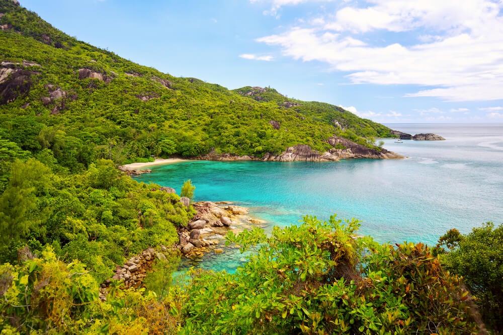 Paisaje de isla Mahé ne Seychelles