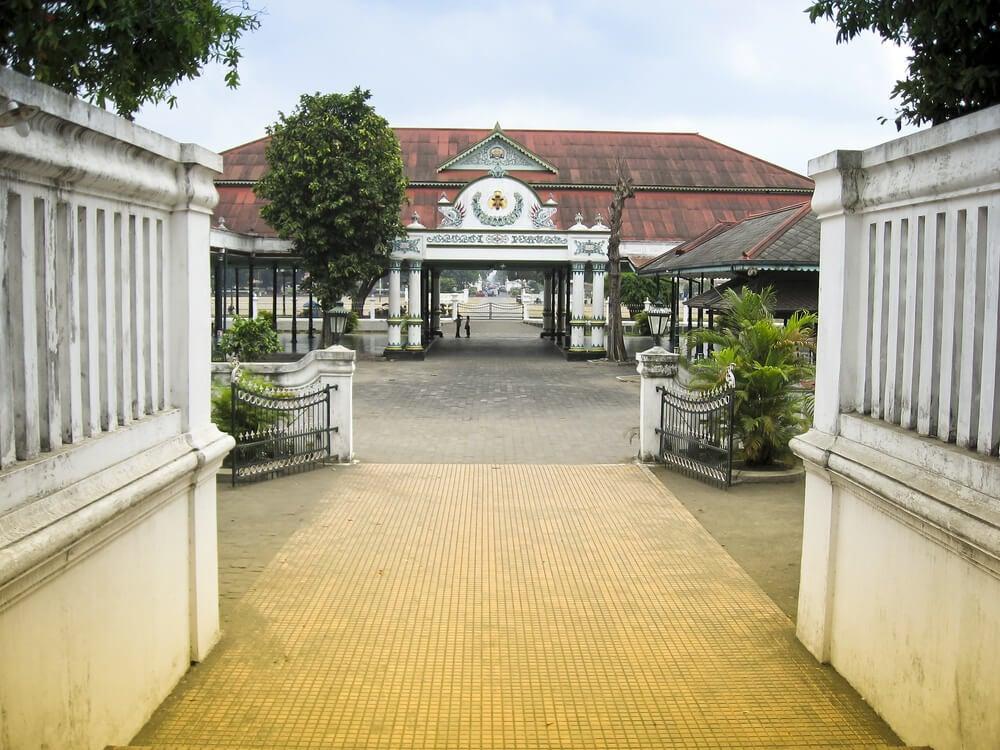 Entrada al Karaton en Yogyakarta