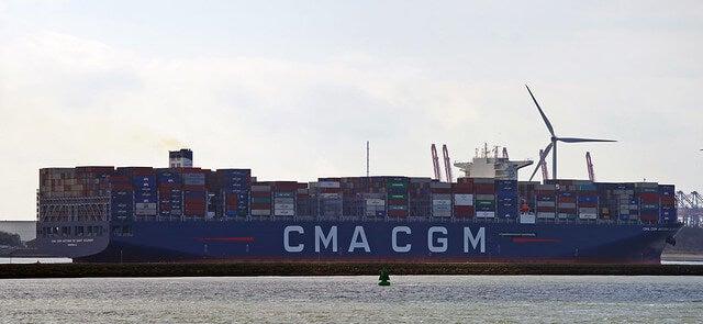 Vista lateral del buque
