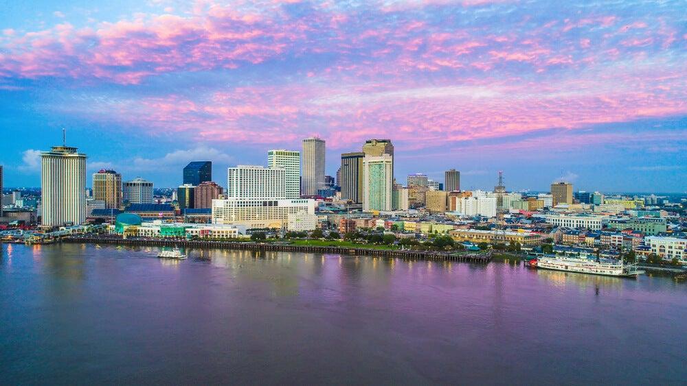 Vista de Nueva Orleans con el río