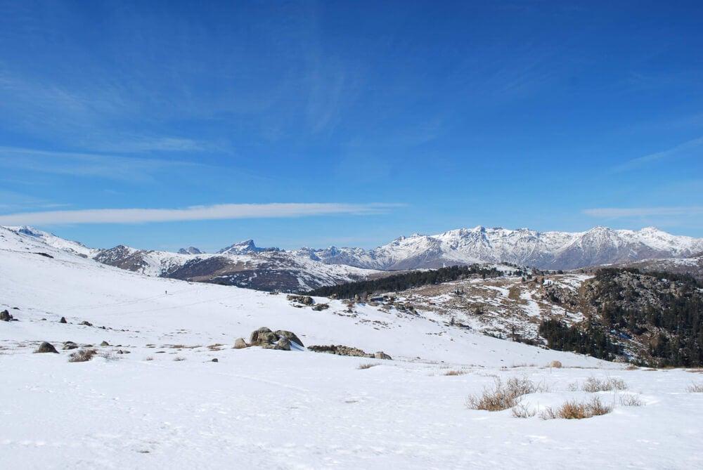 Montañas de Córcega en invierno