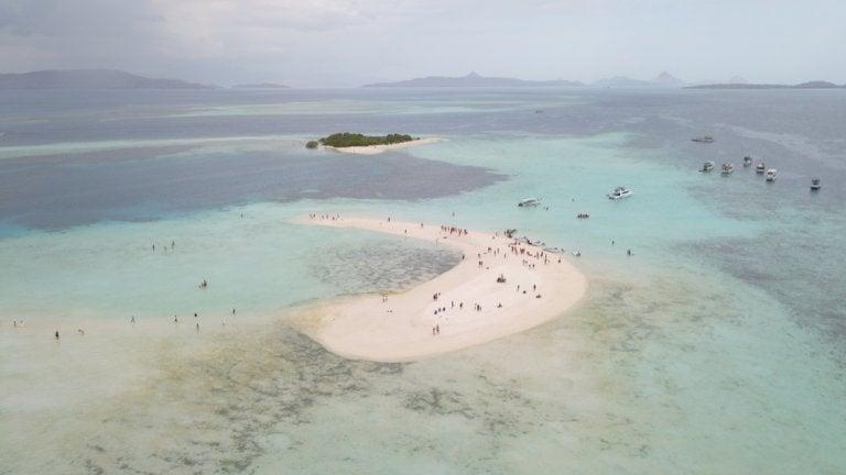 Pasir Timbul: el color de un banco de arena magnífico