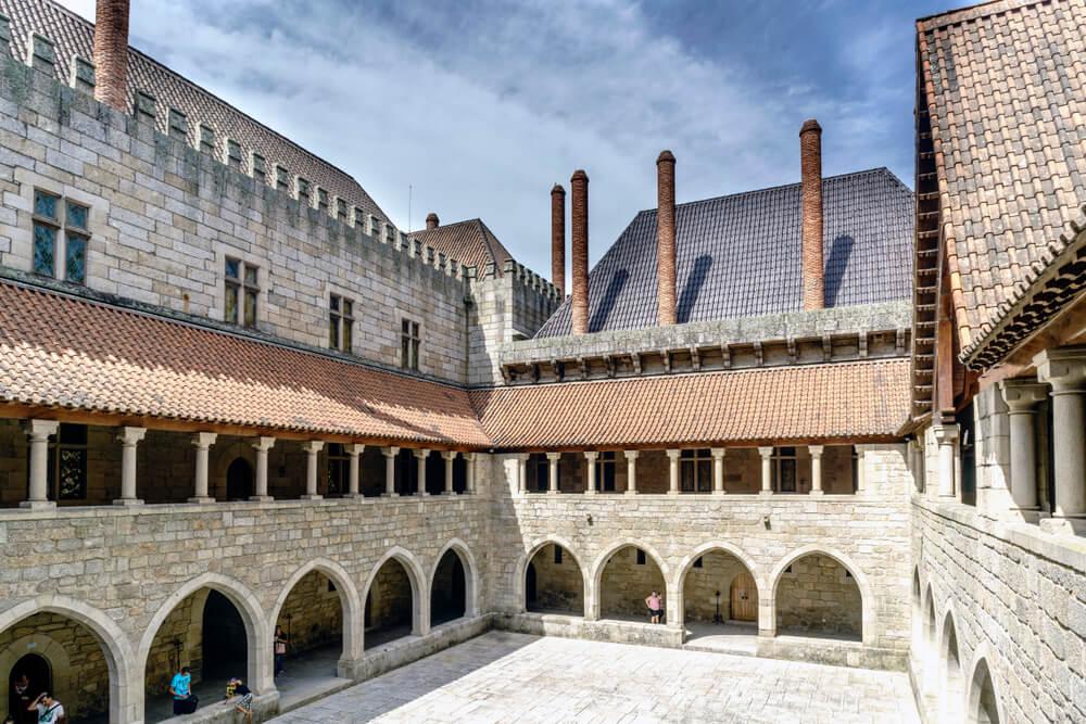 PAtio del Palacio de los duques de Braganza