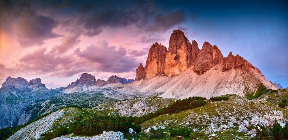 Vista de los picos del Lavaredo en los Dolomitas
