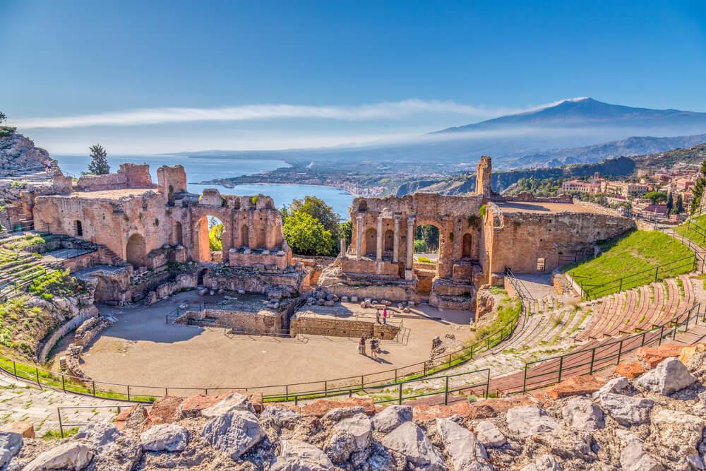 Teatro de Taormina en la isla de Sicilia