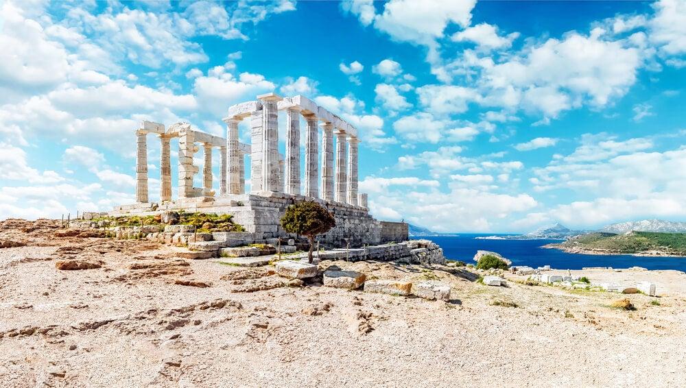 El templo de Poseidón en el cabo de Sunio