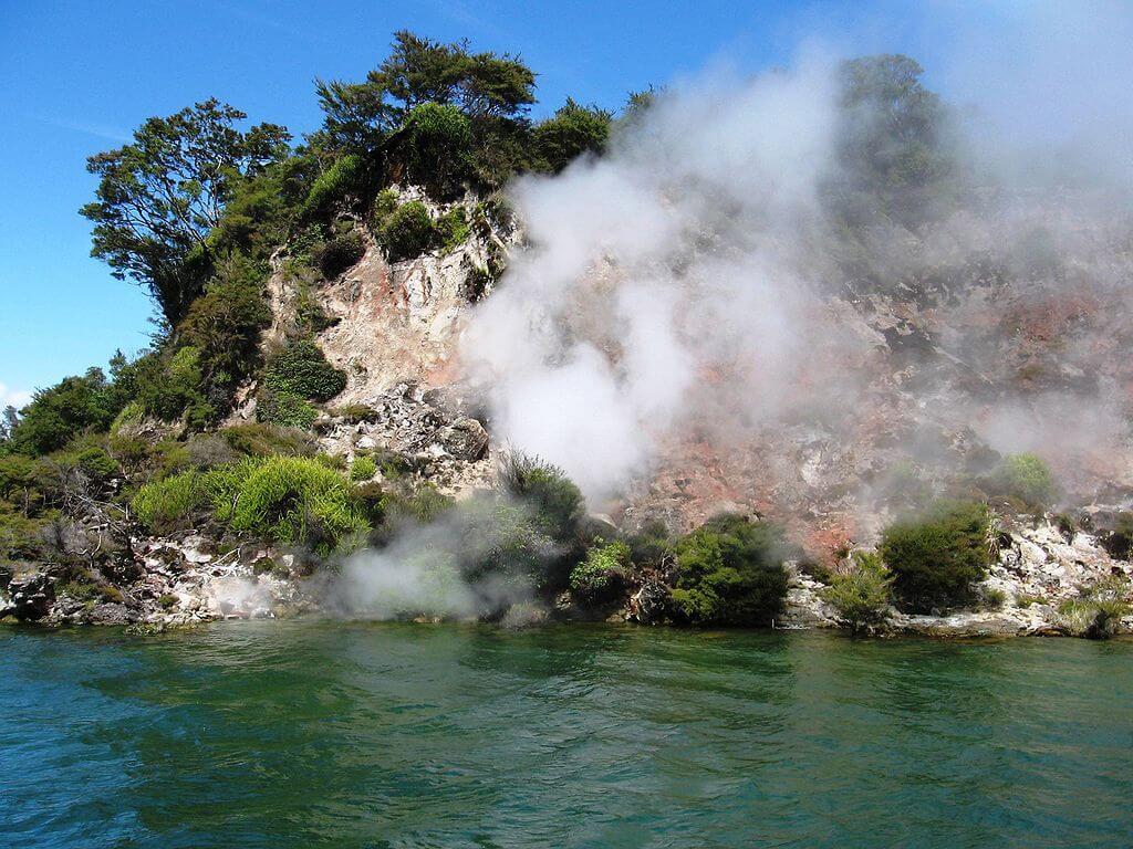 Orilla del lago Rotomahana