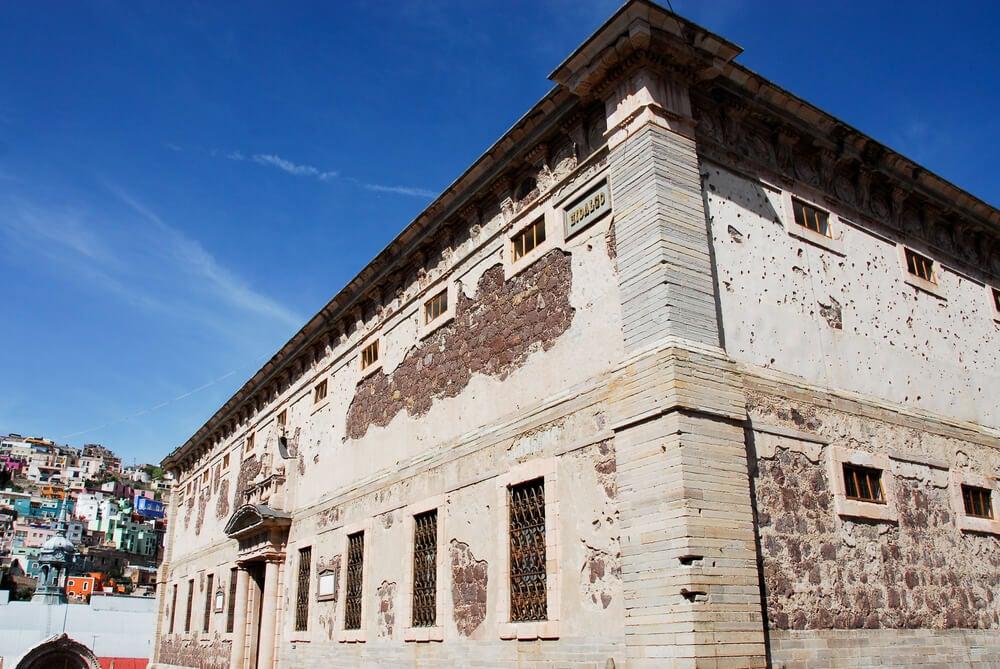 Exterior de la Alhóndiga de Granaditas