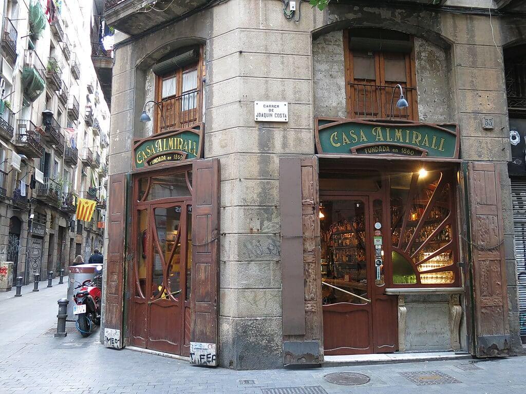 Casa Almirall, uno de los bares de Barcelona más antiguos