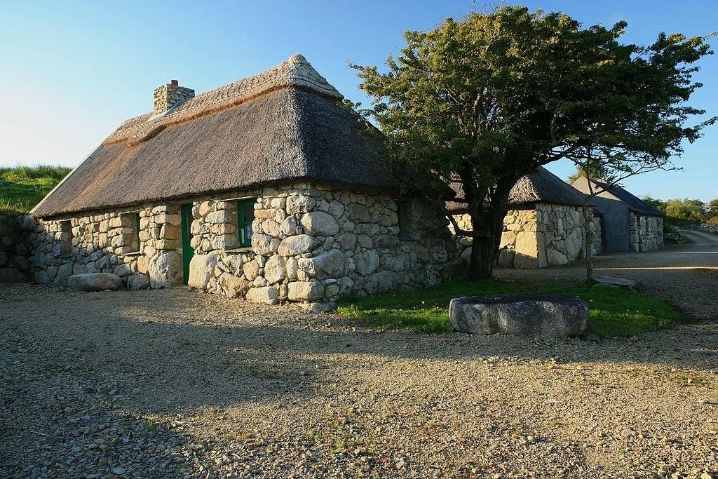 Aprendiendo sobre cultura irlandesa en Cnoc Suain