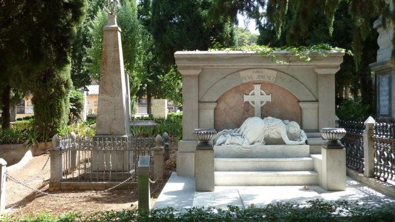 Recorremos el cementerio de San José de Granada