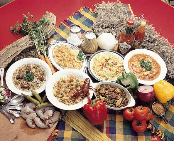 Platos e ingredientes de la cocina criolla