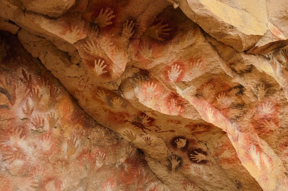 La cueva de las Manos: descubre este tesoro arqueológico