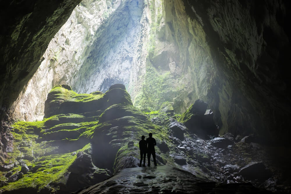 Entrada a la cueva de Son Doong, una de las cuevas más asombrosas
