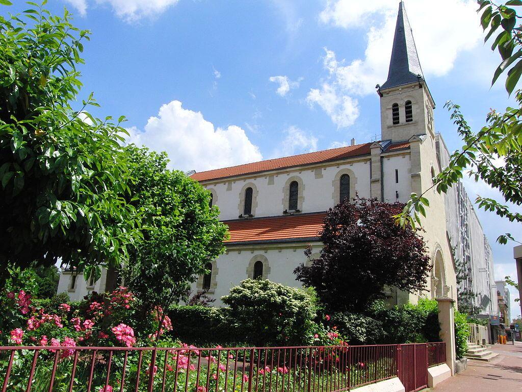Iglesia de San Carlos Borromeo en Joinville-le-Pont