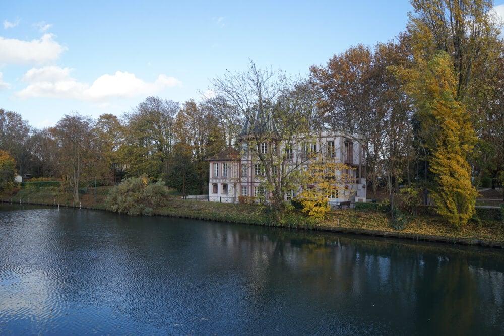 Mansión a orillas del Marne