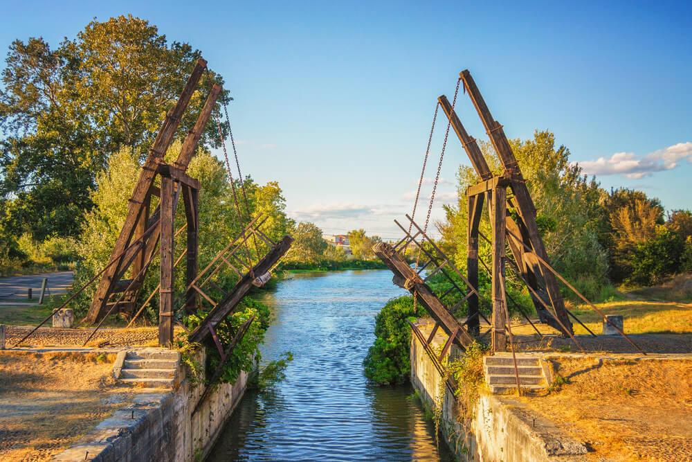 Puente de Langlois en Arlés
