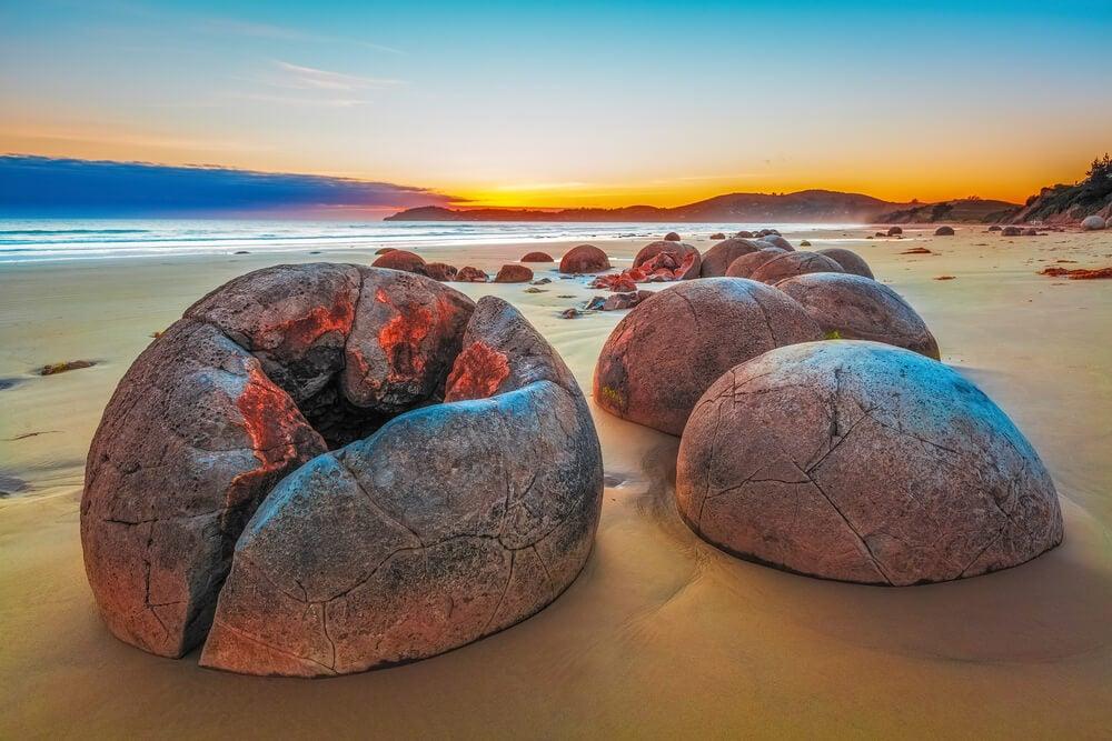 Las singulares rocas de Moeraki en Nueva Zelanda