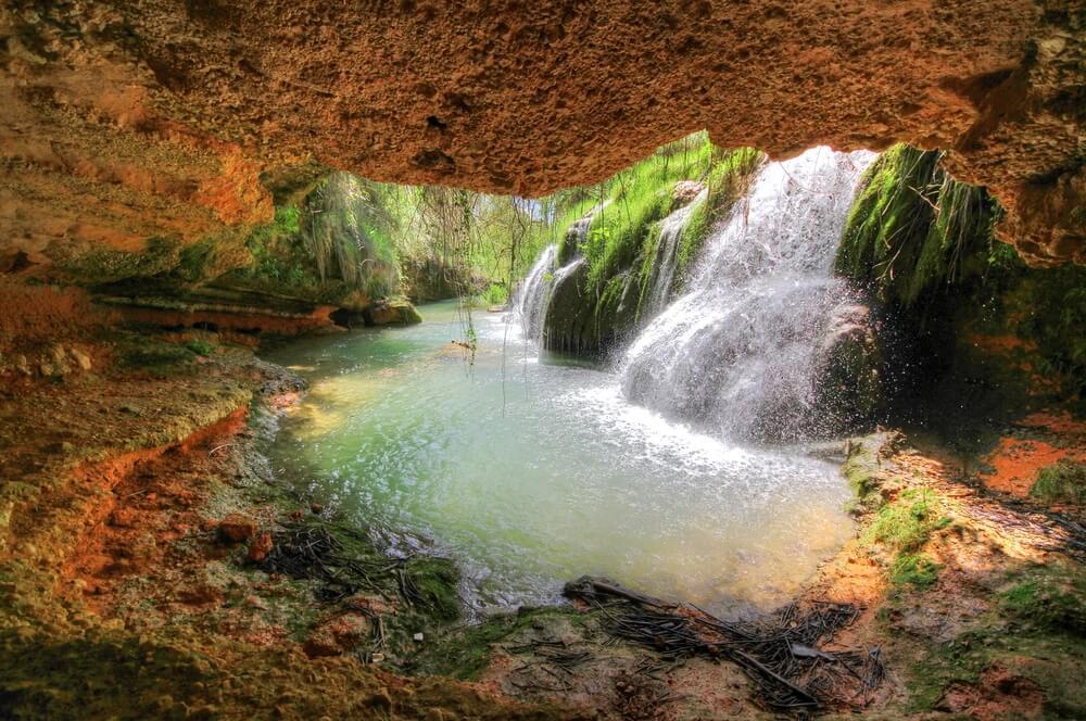 Cascadas en el nacimiento del Vinalopó