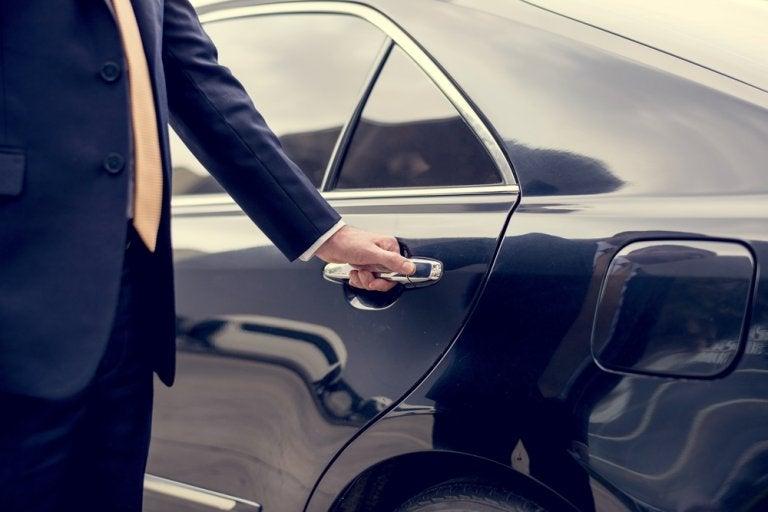 ¿Por qué elegir un conductor privado para viajes de negocios?