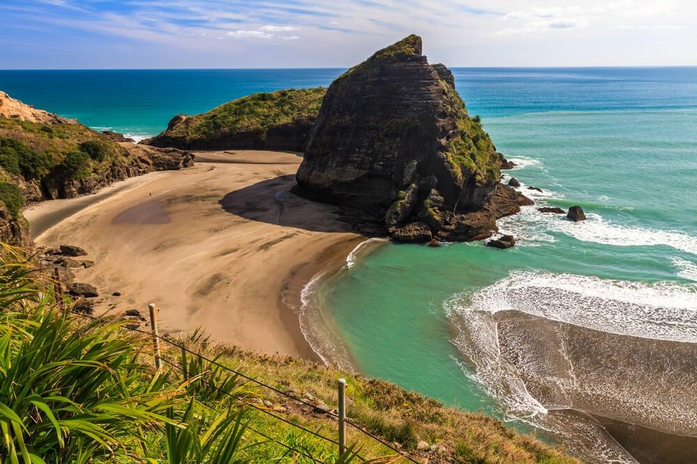 Piha Beach, una de las mejores playas de Nueva Zelanda