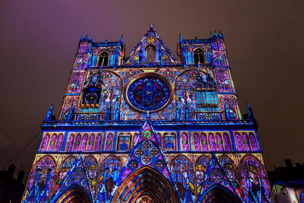 Catedral en la Fiesta de las Luces de Lyon