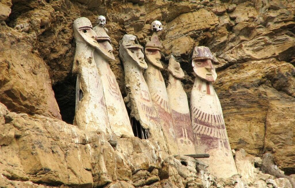 Detalle de los sarcófagos
