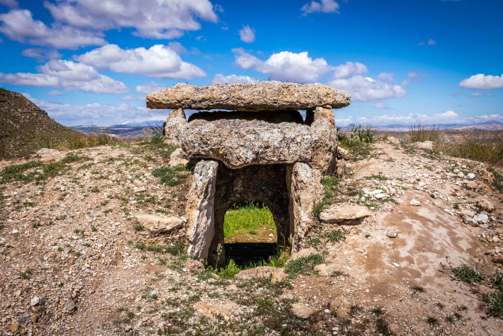 Resultado de imagen de dolmen gorafe