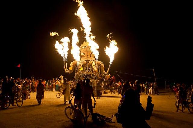 Fuego en el festival