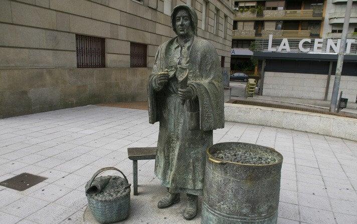 El Monumento a la Castañera en Ourense