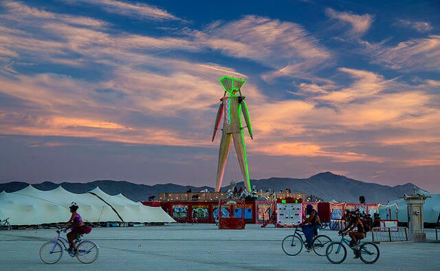 Noche en el Burning Man Festival
