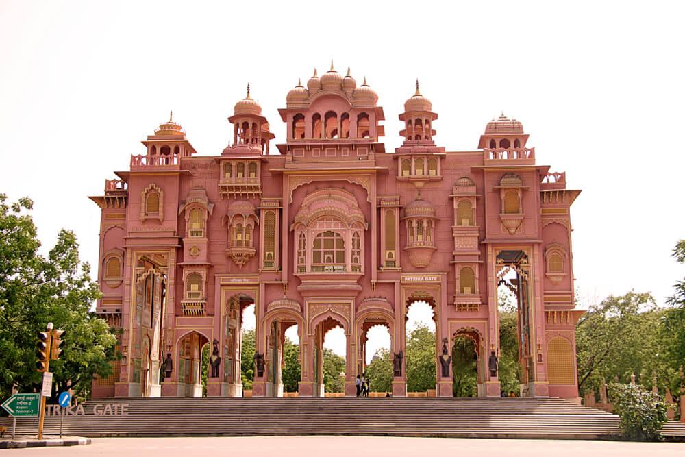Vista de la Patrika Gate