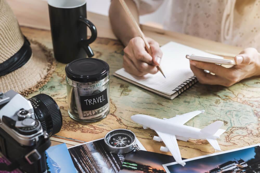 5 claves para ahorrar en tus viajes