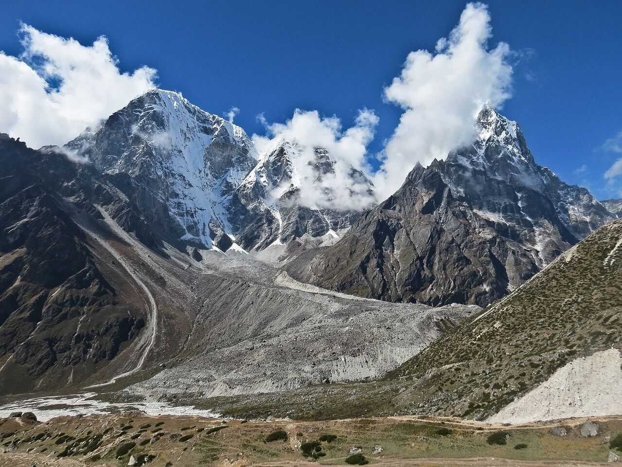 La altura de las montañas más imponentes del planeta