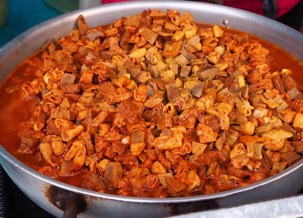 Plato de guatita, típico de la gastronomía ecuatoriana