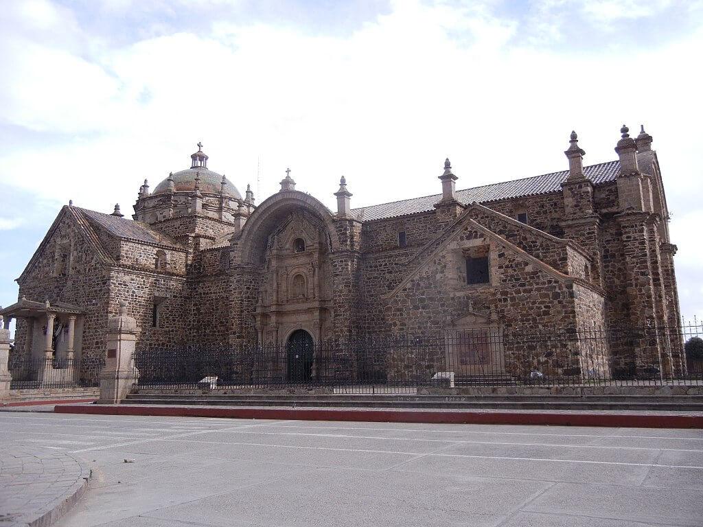 Iglesia de Santiago Apóstol de Lampa