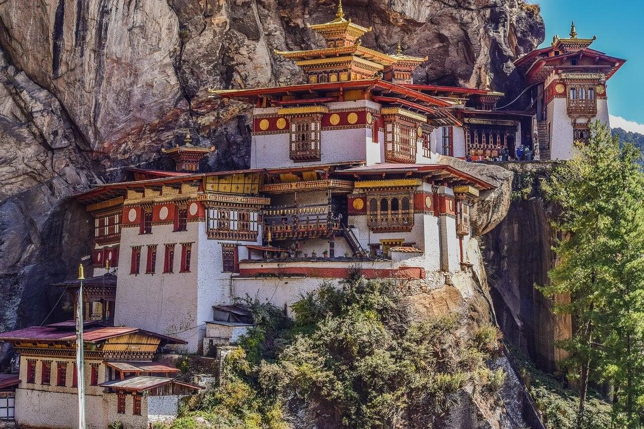 Monaserio Taktshang en Bután, uno de los destinos subestimados