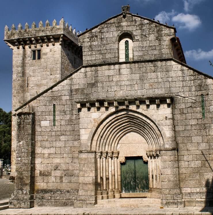 Monasterio de SanSalvador de Trabanca en la Ruta del Románico del Norte de Portugal