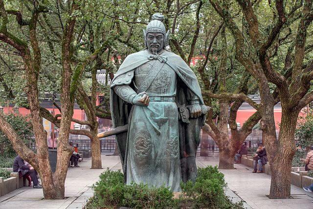 Estauta de Yue Fei, uno de los héroes más importantes de China
